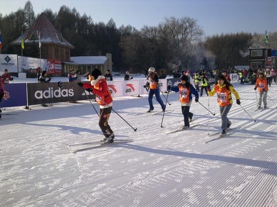 瓦萨学生精英赛拉启滑雪节帷幕